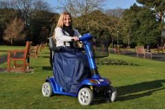 Nuestra gama de chubasqueros para silla ruedas y scooters